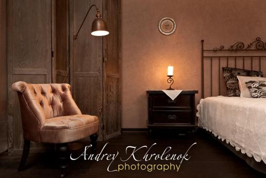 Интерьер спальни с интимным приглушённым светом © Фотограф Андрей Хроленок