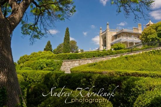 Панорама дворца и парка в Алупке © Андрей Хроленок