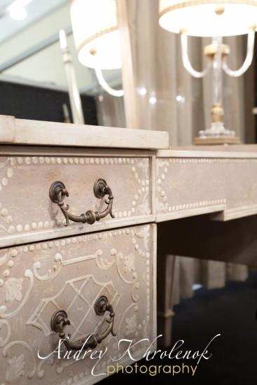 Деталь туалетного столика Patina. Фотосъёмка мебели для каталога © Андрей Хроленок
