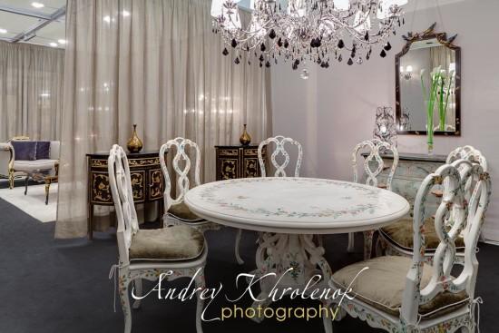 Общий вид столовой Patina. Фотосъёмка мебели для каталога © Андрей Хроленок