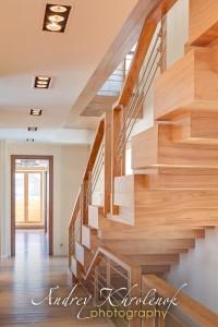 Элитная деревянная лестница © Фотограф Андрей Хроленок