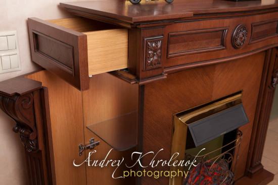 Шкафчики в корпусе электрокамина. © Фотограф Андрей Хроленок