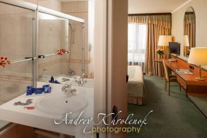 Ванная в апартаментах в гостиничном комплексе «Космос». © Фотограф Андрей Хроленок
