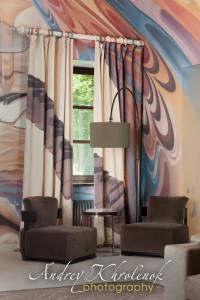 Уникальные шторы в гостиной частного дома в Подмосковье. © Фотограф Андрей Хроленок