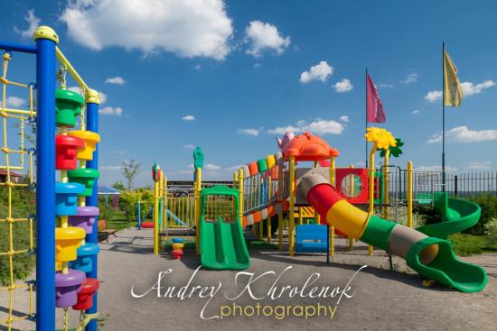 Игровая площадка для детей. © Andrey Khrolenok