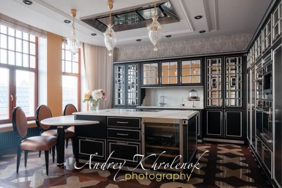 Кухонный гарнитур в квартире премиум-класса. © Фотограф Андрей Хроленок
