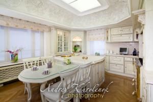 Кухня в жилом доме премиум уровня. © Фотограф Андрей Хроленок