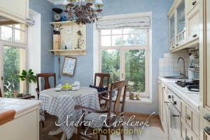 Кухня в стиле прованс. © Фотограф Андрей Хроленок