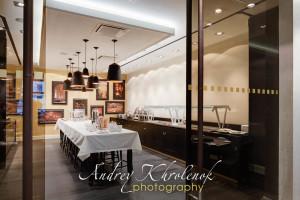 Зал для выкладки шведского стола в гостинице Меркуре Павелецкая. © Photographer Andrey Khrolenok