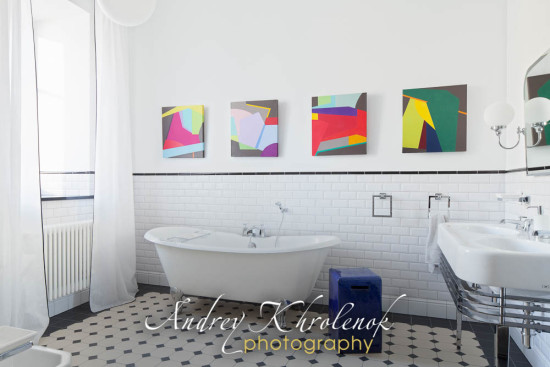 Просторная ванная в квартире. Фотограф: Андрей Хроленок