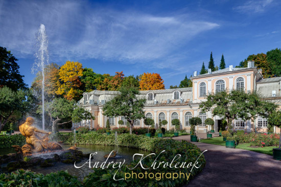 Панорама оранжерейного сада, Большой оранжереи и фонтана «Тритон». © Фотограф: Андрей Хроленок