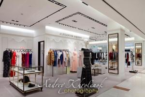 Интерьер элитного магазина одежды. © Фотограф Андрей Хроленок